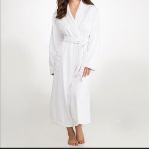 Monarch fleece luxury robe new with tags
